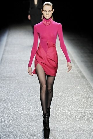 pink nr NINA RICCI AUTUMN WINTER PARIS 09