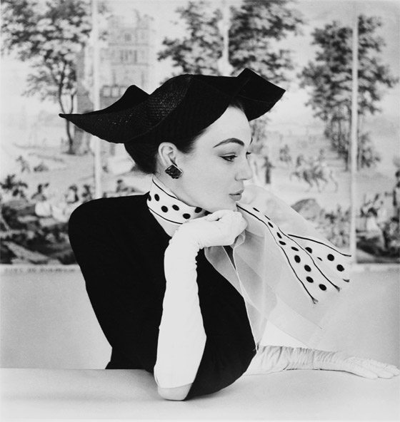 Parisian Chic  GREAT FASHION PHOTOGRAPHY 1950S FASHION HENRY CLARKE