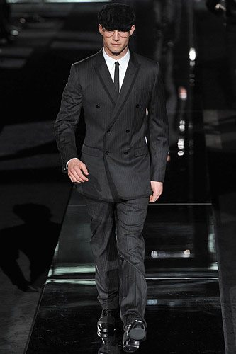 Dolce and Gabbanna 1AW09. menjpg MENS STYLE  BUYING A SUIT