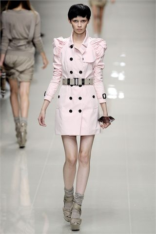 Burberry SS10 What to wear on a date : Valentines Special