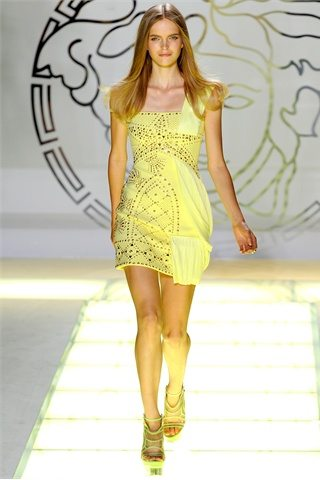 Versace spring summer2012. 2jpg Prada: D&G: Etro:Versace: Antonio Marrass: Milan Fashion Week