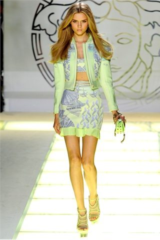 Versace spring summer2012 Prada: D&G: Etro:Versace: Antonio Marrass: Milan Fashion Week