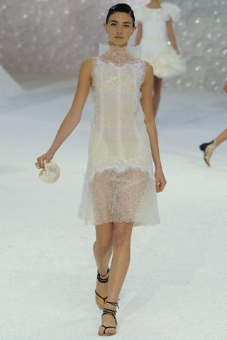 chanel coral 1 Siren Song : Spring Summer 2012 Trends
