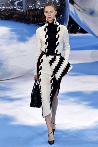 Christian Dior11 Christian Dior Raf Simons presents a black and white spectacular show