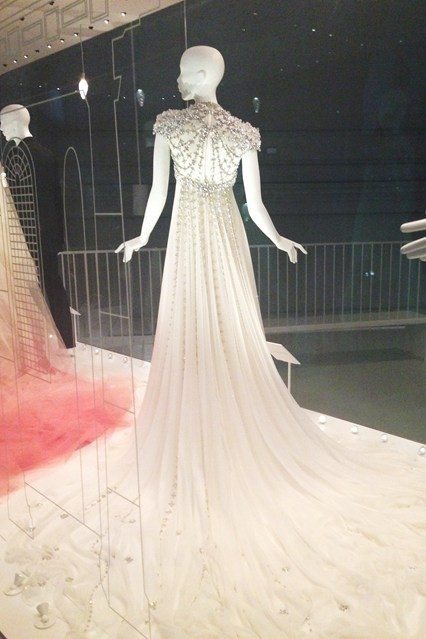 V and A wedding dress exhibitoin.3jpg